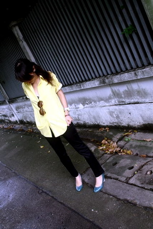 yellow carpenter shirt
