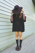 shoes - H&M hat - Lefties socks - Stradivarius cape