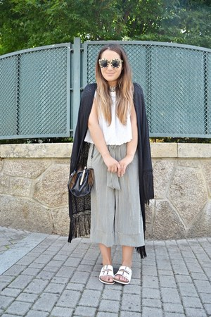 Zara top - H&M jacket - Primark sandals - Zara pants