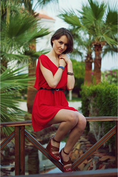 red fashionique dress