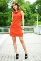 black Deashop boots - carrot orange Mohito dress
