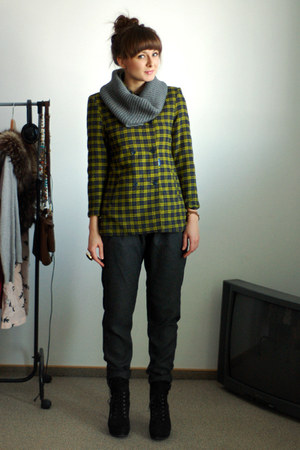 olive green DKNY coat - charcoal gray H&M scarf - gray Zara pants