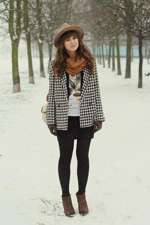 black Do a fashion coat - dark brown vagabond boots