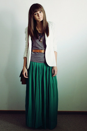 green Romwecom skirt - white Chicwish blazer - tawny Romwecom bag