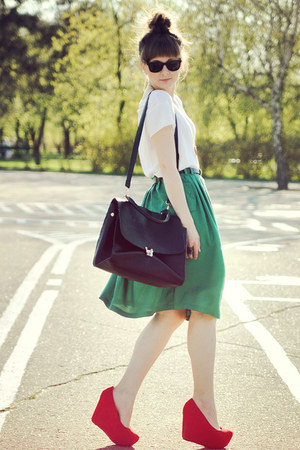 forest green carry skirt