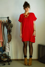 Camel-stradivarius-boots-ruby-red-romwecom-dress
