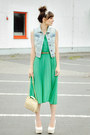 Green-romwe-dress-beige-venezia-bag