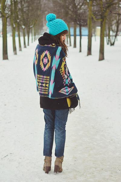 turquoise blue szaleo hat - navy szaleo scarf