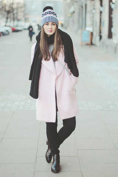 light pink La Redoute coat