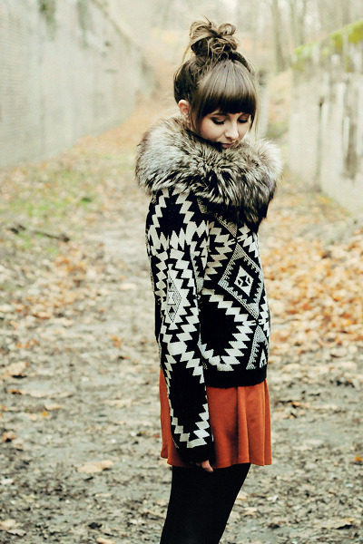 tawny Zara skirt - black Sweater sweater