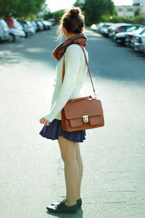 cream wholesale-dressnet sweater - tawny Romwecom bag - navy H&M skirt
