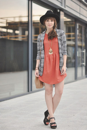 salmon Pull & Bear dress