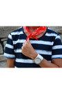 Navy-h-m-shoes-red-from-bulgaria-scarf-white-fossil-watch-navy-pants