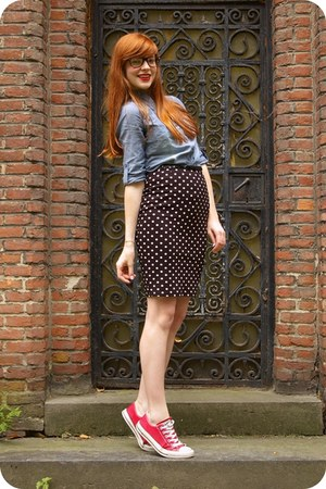blue denim shirt - black H&M skirt - red Converse sneakers