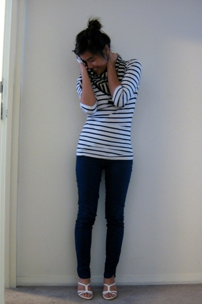 white random shirt - white heels vintage Tods shoes - blue f21 jeans