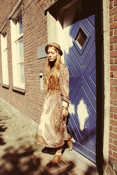 boho Mango dress - tillie Mulberry bag
