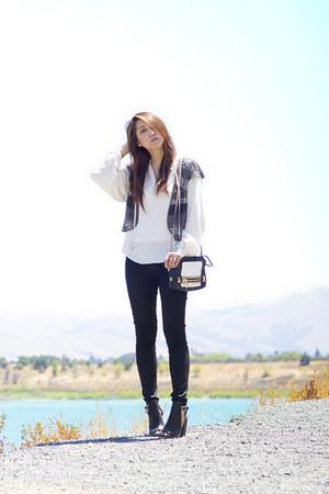 black moto Hudson jeans - black leather botkier bag - heather gray Zara vest