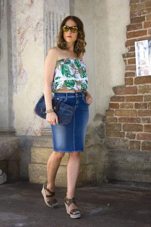 Gas skirt
