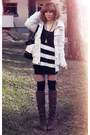 White-jacket-dark-brown-din-sko-boots-white-bag-charcoal-gray-necklace