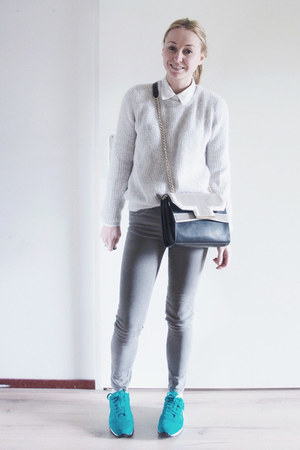 heather gray skinny Pull & Bear jeans - black perforated Zara bag