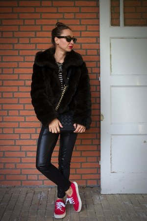 dark brown fake fur vintage coat