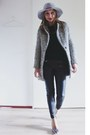 Black-black-and-white-sheinside-coat-heather-gray-felt-asos-hat