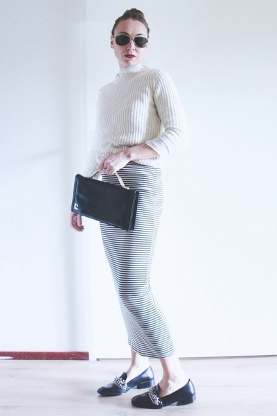 charcoal gray striped Zara skirt - black leather thrifted vintage bag