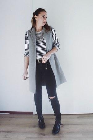 black western Zara boots - heather gray waistcoat new look coat