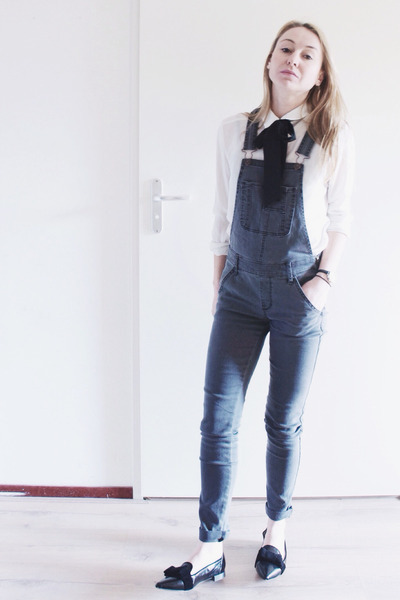 black patent pointed flats - heather gray overalls abercrombie and fitch jeans