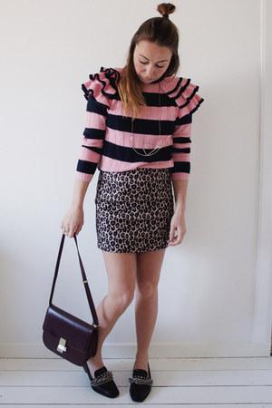 bubble gum ruffles stripes asos sweater - brick red box bag Jessica Buurman bag