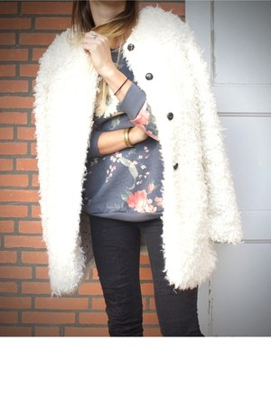 ivory fake fur Mango coat - violet floral Mango sweater