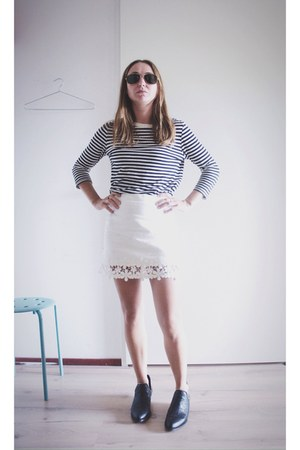 white crochet Zara skirt - black Senso boots - black striped Zara top