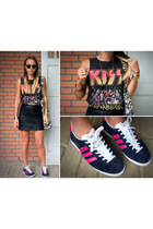 black Zara skirt - navy pink stripes Adidas sneakers