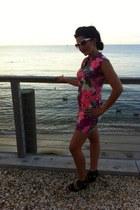 black wedge leather Dolce Vita wedges - hot pink Vintage No label dress