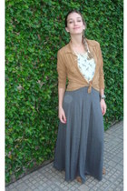 heather gray skirt - camel shoes - tawny blouse - cream top
