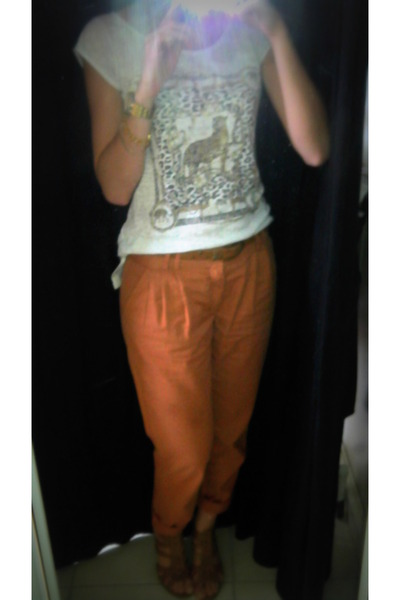 burnt orange pants - off white t-shirt