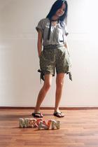 Maiden shorts - t-shirt - tie