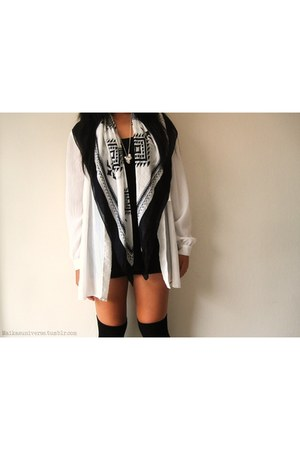 black Boston and Bailey scarf - white only 2 vintage cardigan