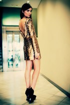 gold Disco Pony dress - black asos wedges - carrot orange GlamRocks ring