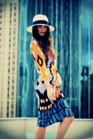 ivory panama Market hat - navy Nocturne dress