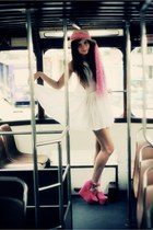 white next dress - cream straw boater H&M hat - bubble gum tied around hat Marke