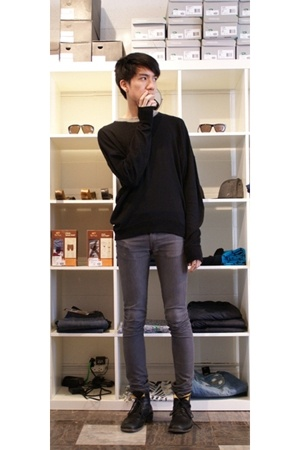 Burberry Prorsum sweater - april 77 jeans - Fiorentini  Baker boots