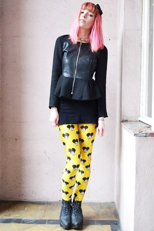 yellow mickey mouse leggings - black jacket - mickey mouse ring