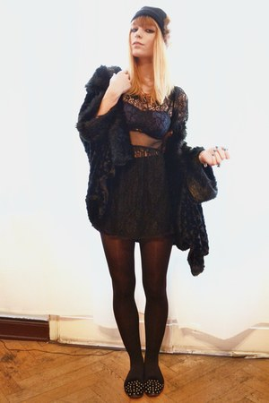 black lace dress - black faux fur cardigan