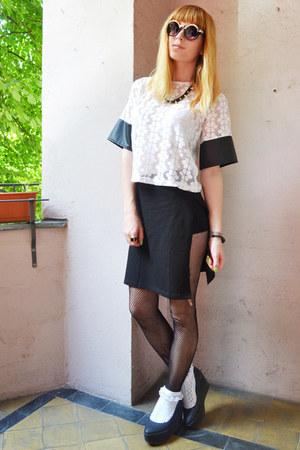 white top - black skirt