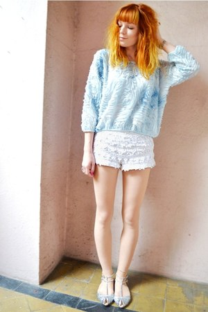 sky blue 3d flowers sweater - white knitted lace shorts