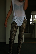 American Apparel t-shirt - Silence  Noise bra - Zara pants - Converse shoes