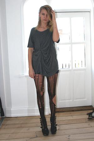 gray Monki t-shirt - black DIY tights - black Jeffrey Campbell shoes - silver Gl