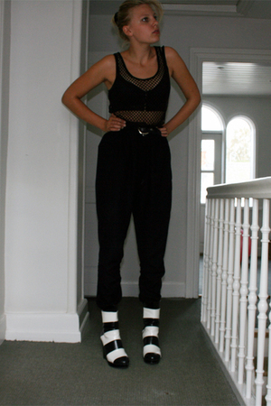 Silence  Noise bra - Monki top - Mags Magasin pants - Monki shoes - Secondhand b