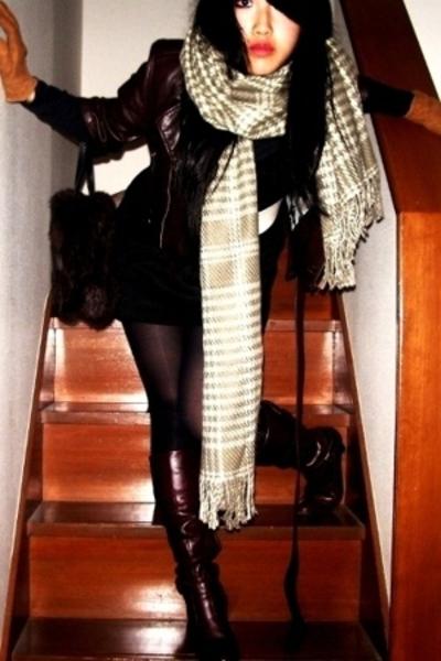 Ralph Lauren gloves - Zara belt - H&M dress - my favorite shop scarf - Gap tight